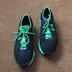 Under Armour Men's Running Shoes. Sz 14.